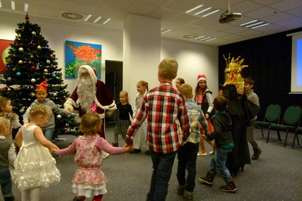 omnicultura e.V. Kinderfest am Jahresende 2014 Berlin - Weihnachtsfest - Die Feier